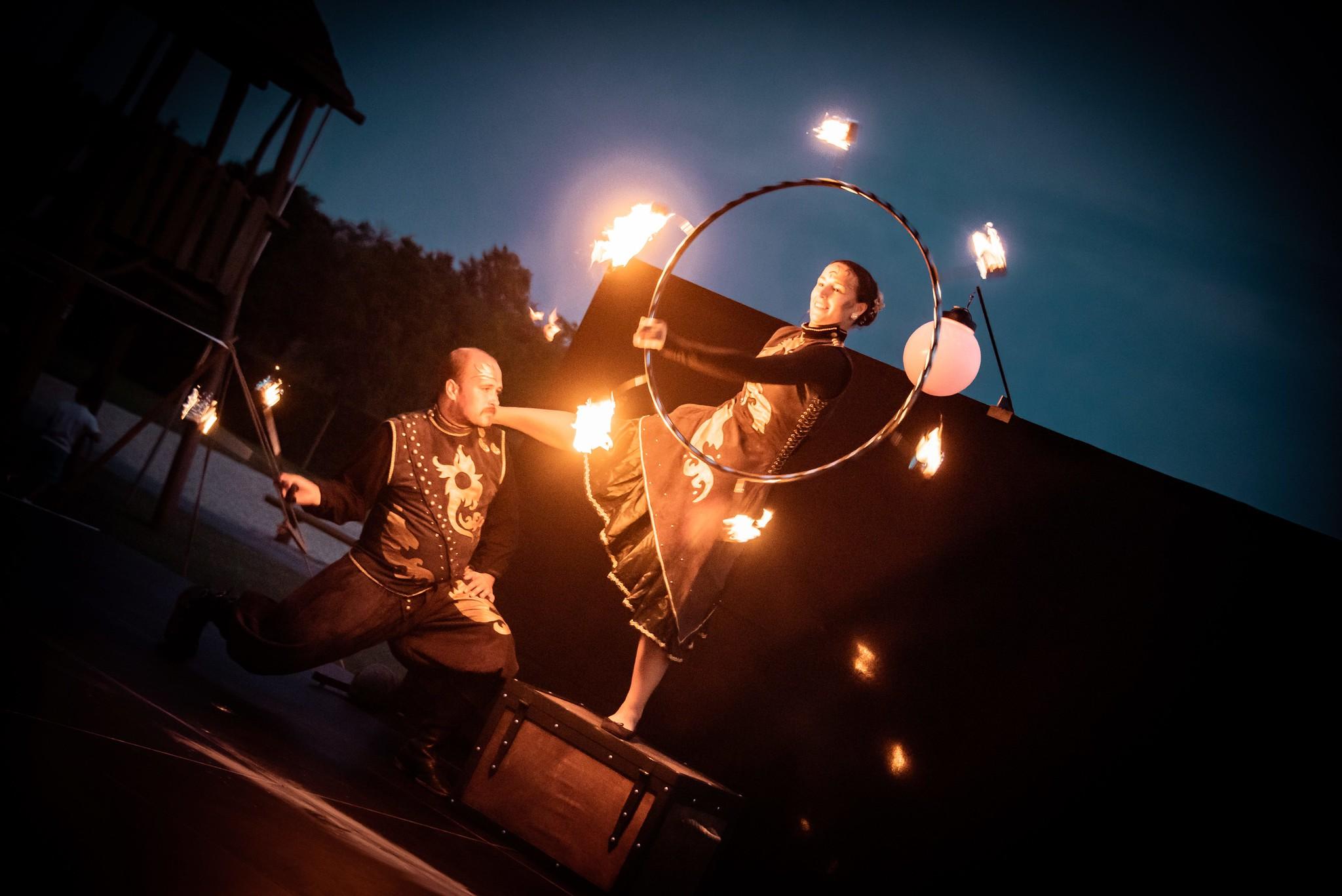 ohnova show - ohen a mesiac - 1