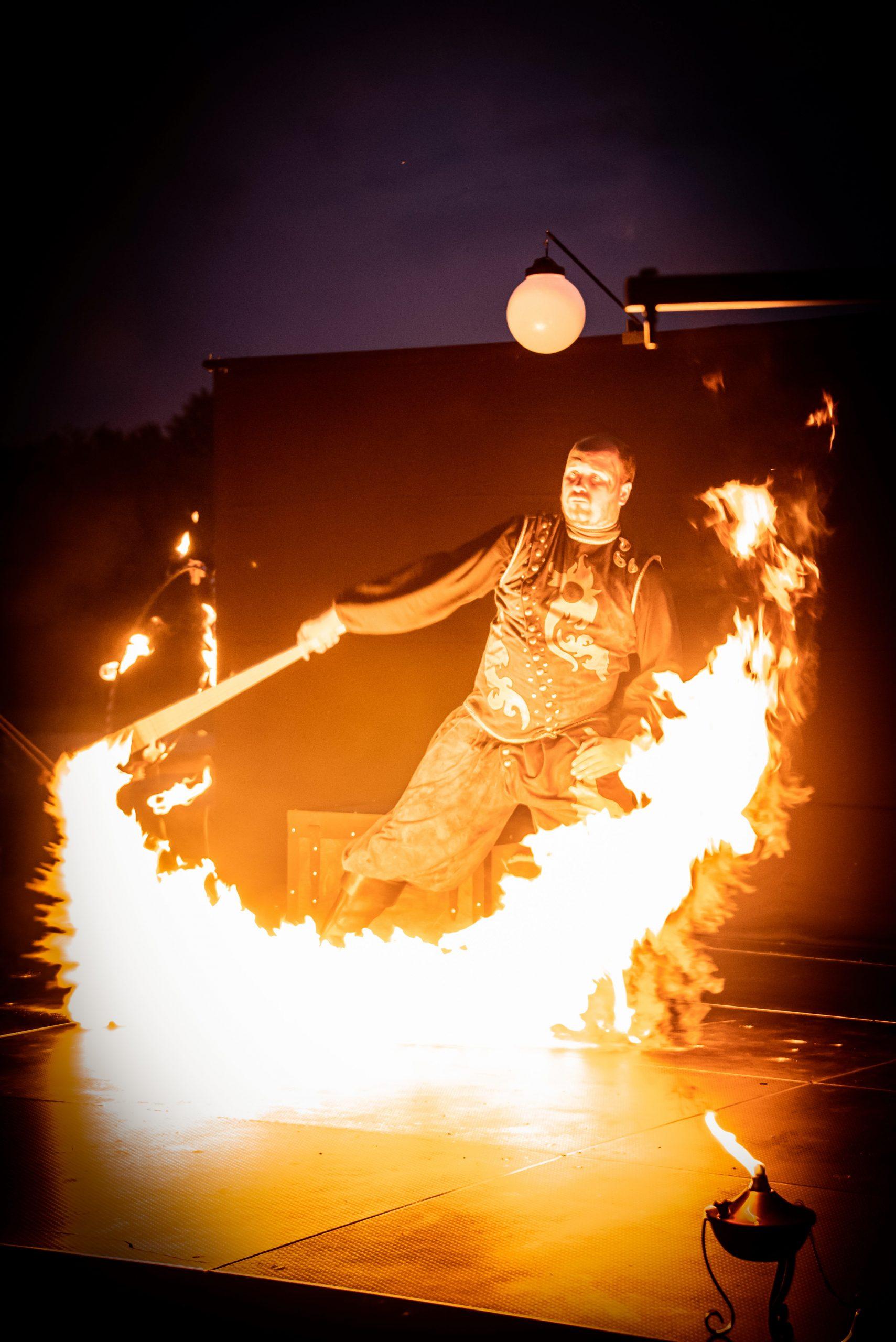 ohnova show - ohen a mesiac - 3